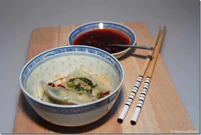 Jiaozi mit Sauce
