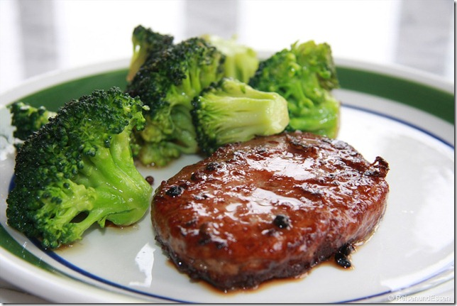 Hackfleischsteak mit Brokkoli