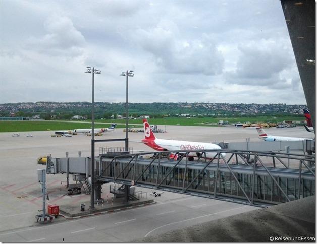 Blick auf das Vorfeld am Flughafen Stuttgart