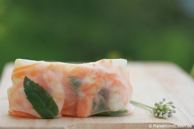 Vietnamesische Frühlingsrolle - Garnelen- und Karotten-Füllung mit Minze