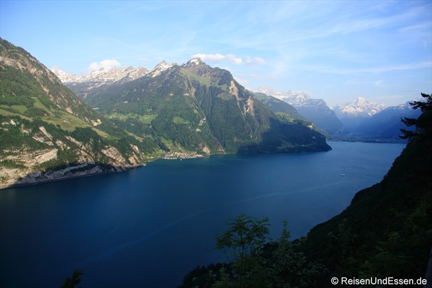 Blick auf den Vierwaldstätter See (im Hintergrund der Gotthard)