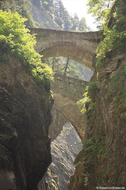 Schweiz - Brücken über die Viamala
