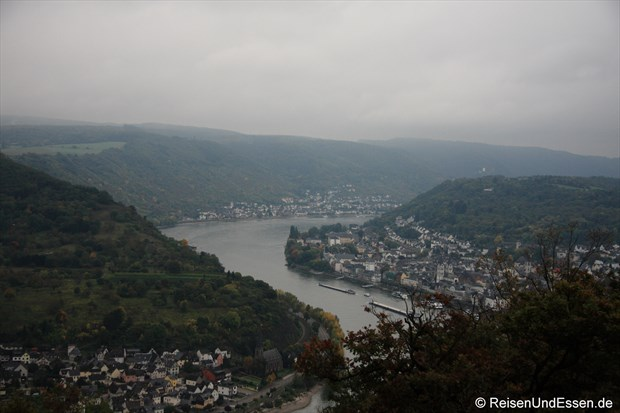 Blick von der Seilbahn auf Rhein und Boppard