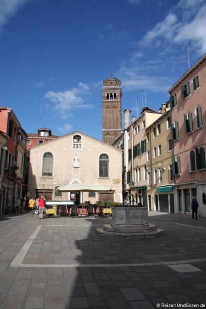 Einer der vielen Plätze in Venedig
