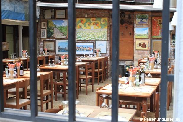 Blick in den Innenhof eines Restaurants