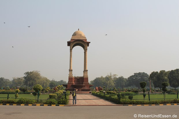 Beim India-Gate in Delhi