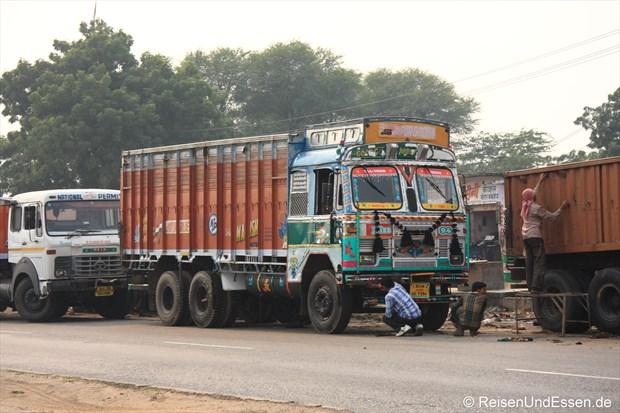 Die LKW werden immer wieder gewaschen