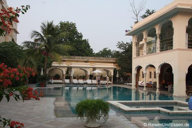 Samode Haveli - Blick auf den Poolbereich