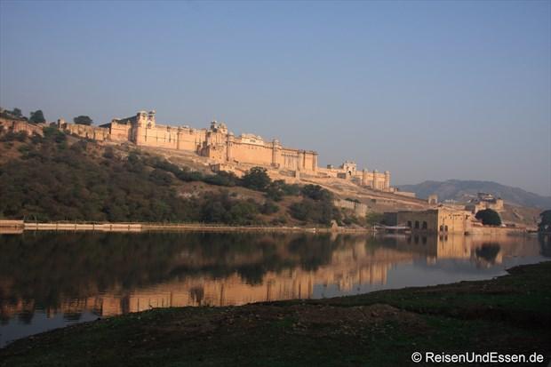 Morgendlicher Blick auf Fort Amber