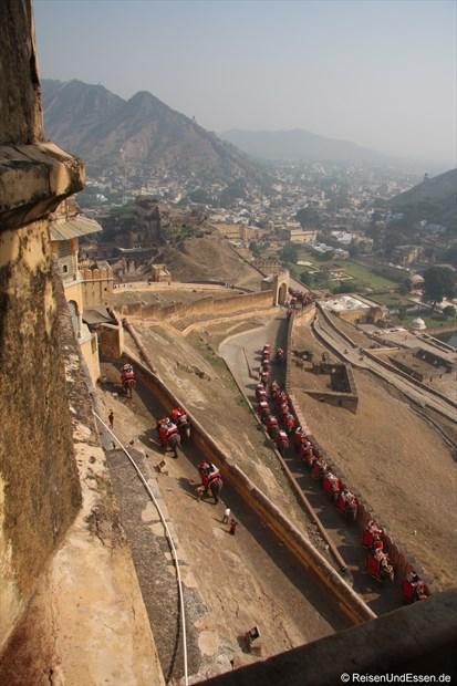 Weg zum Fort Amber und Umgebung