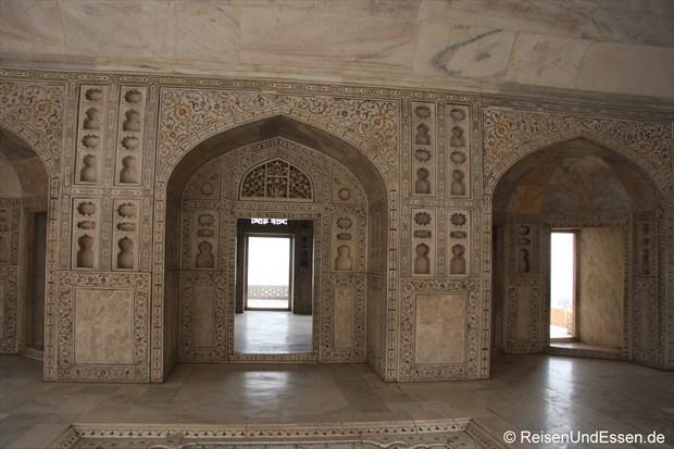 Im Innern vom Roten Fort in Agra