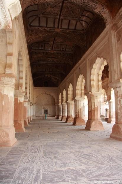 Korridor im Stadtpalast (Raj Mahal) in Orchha