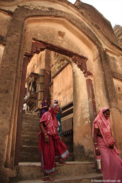 Treppe zum Chaturbhuj Tempel in Orchha