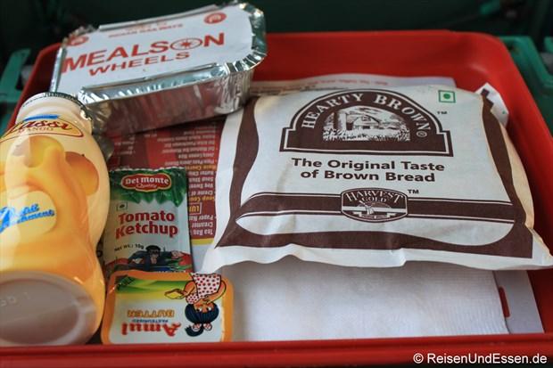 Frühstück im Shatabdi-Express von Agra nach Jhansi