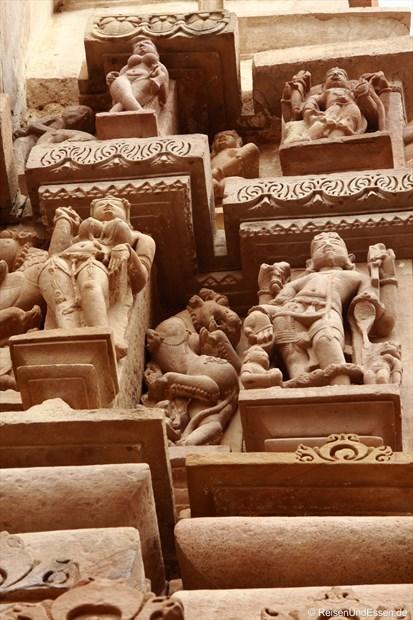 Figuren am Lakshmana Tempel von Khajuraho