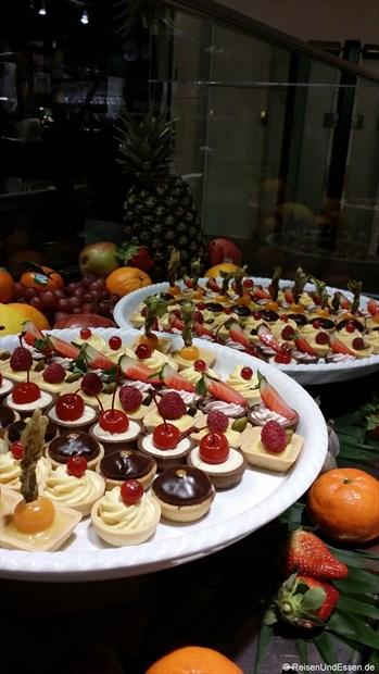 KaDeWe - Auswahl an Desserts