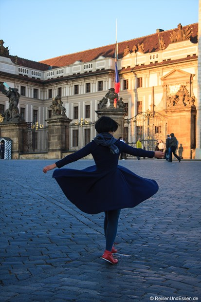 Tanz vor der Burg