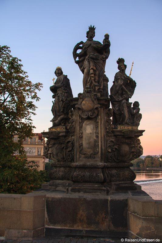 Heiligengruppe Barbara, Margarethe und Elisabeth aus dem Jahr 1707