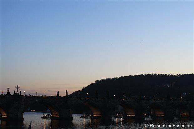 Abendlicher Blick auf die Karlsbrücke