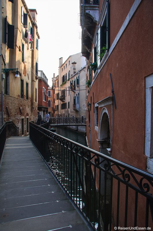 Venedig 505r Brücke Kanal Venedig