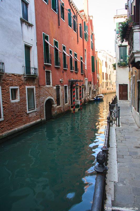 Venedig 531r Kanal
