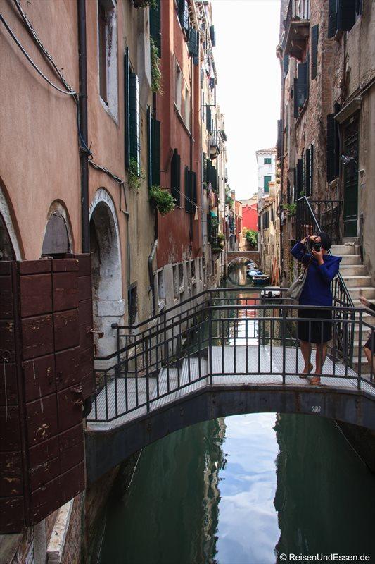 Venedig 663r Brücke Kanal Venedig