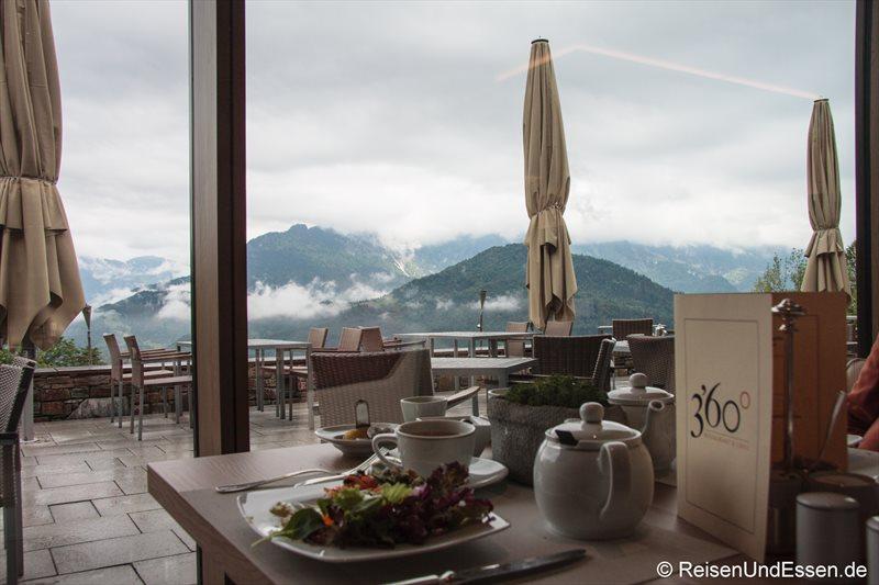Frühstück mit Ausblick im 3'60° Restaurant Intercontinental Berchtesgaden