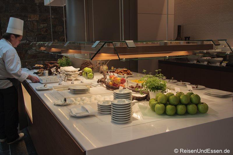 Frühstücksbuffet im 3'60° Restaurant im Intercontinental Berchtesgaden
