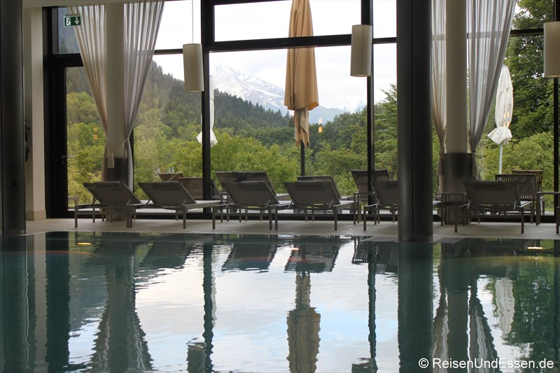 Innenpool im Mountain Spa im Intercontinantal Berchtesgaden Resort