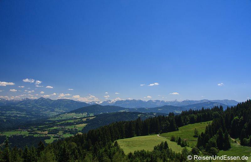Blick vom Pfänder auf die Bergwelt