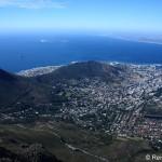 Grandiose Aussicht vom Tafelberg auf Kapstadt und Umgebung