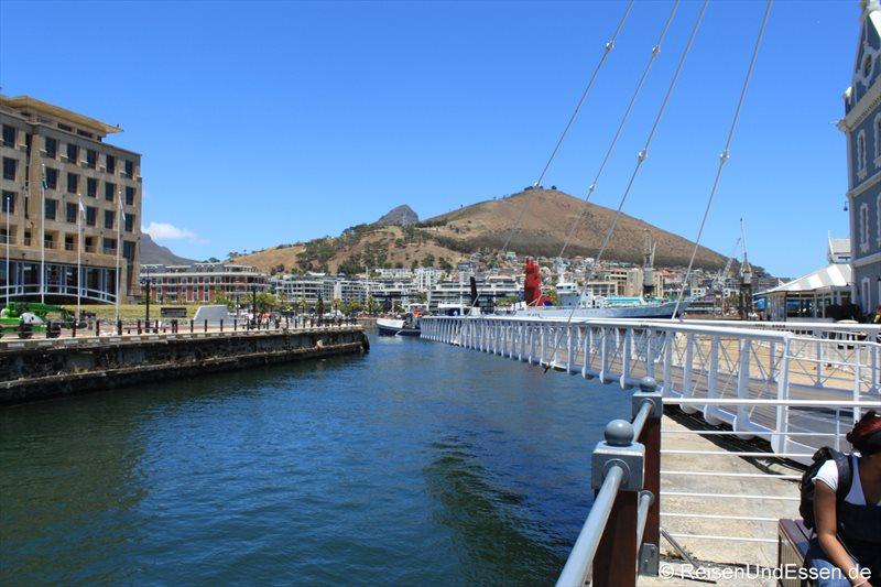 Schwenkbrücke in der V&A Waterfront in Kapstadt