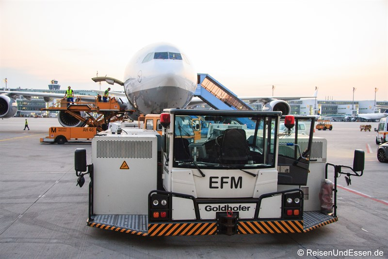 Flugzeugschlepper am Flughafen München