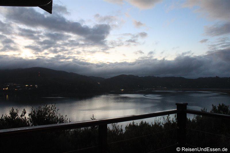 Blaue Stunde in der Elephant Hide of Knysna Guest Lodge