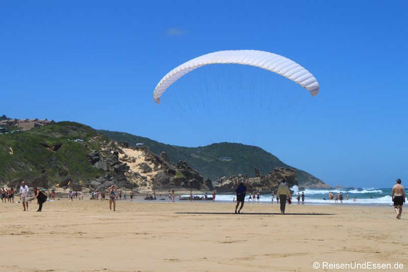 Training mit Paraglider am Strand von Brenton-on-Sea