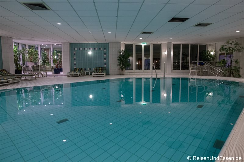 Pool im Radisson Blu in Karlsruhe