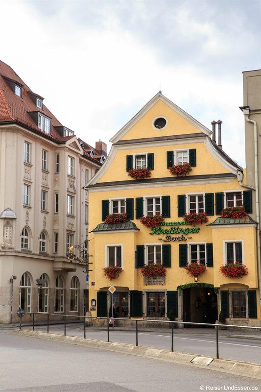 Am Arnulfsplatz in Regensburg