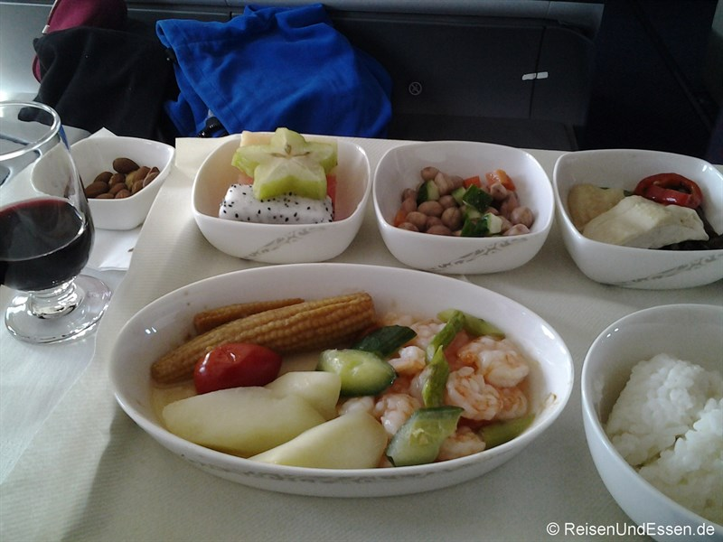 Menu mit Garnelen bei Air China