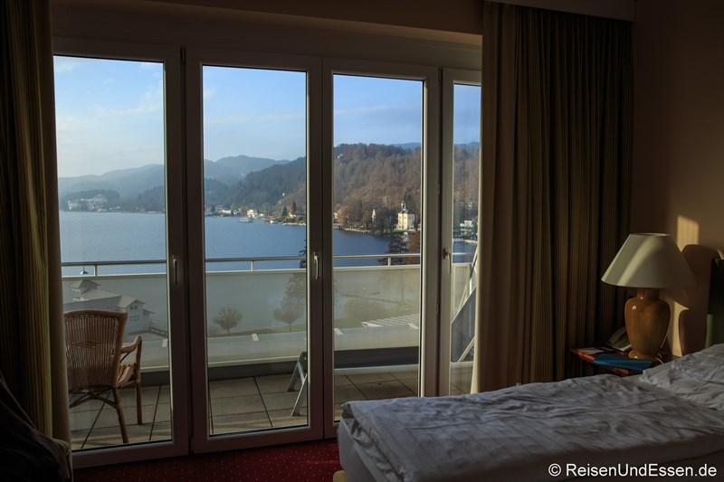 Blick vom Schlafzimmer auf den Wörthersee