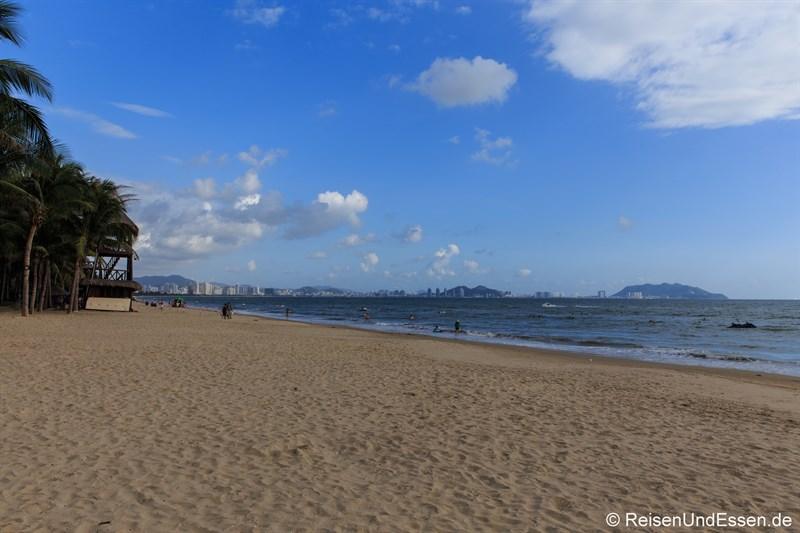 Strand in der Bucht von Sanya