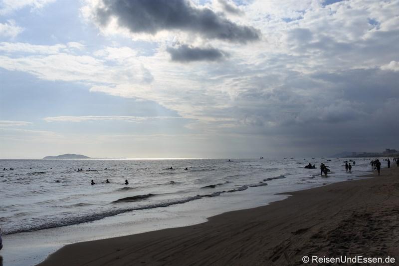 Abendstimmung am Strand von Sanya