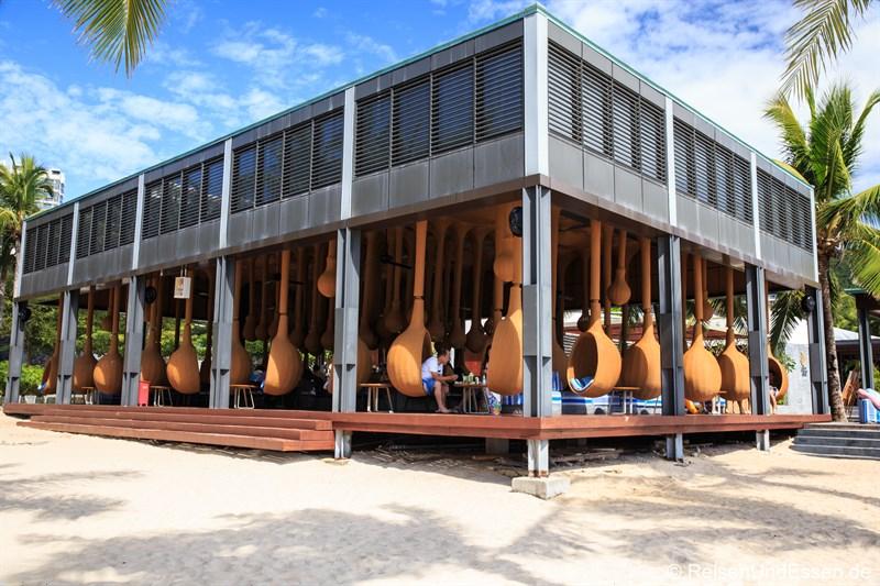 Bar am Strand vom InterContintental