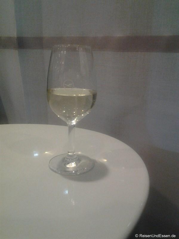 Prosecco in der Lufthansa Lounge in TXL