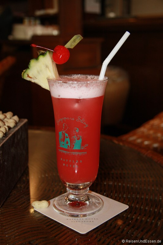 Singapore Sling in der Long Bar