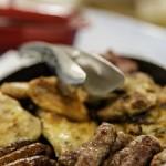 Fleisch und Würste vom Grill