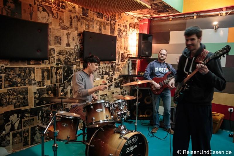 Studio mit Band im BIGZ Kultgebäude