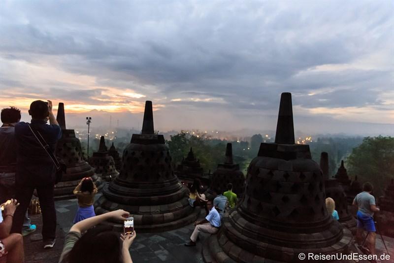 Borobudur zum Sonnenaufgang