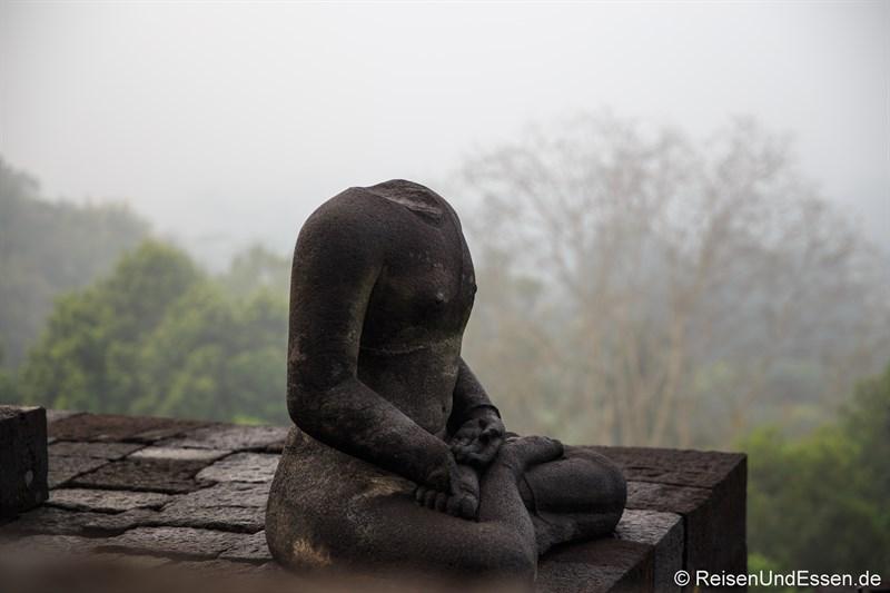Meditierende Buddha-Statue in Borobudur