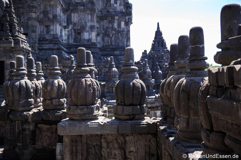 Mittlere Ebene der Tempel von Prambanan