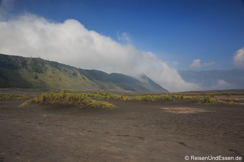 Sea of Sand unterhalb der Caldera am Vulkan Bromo